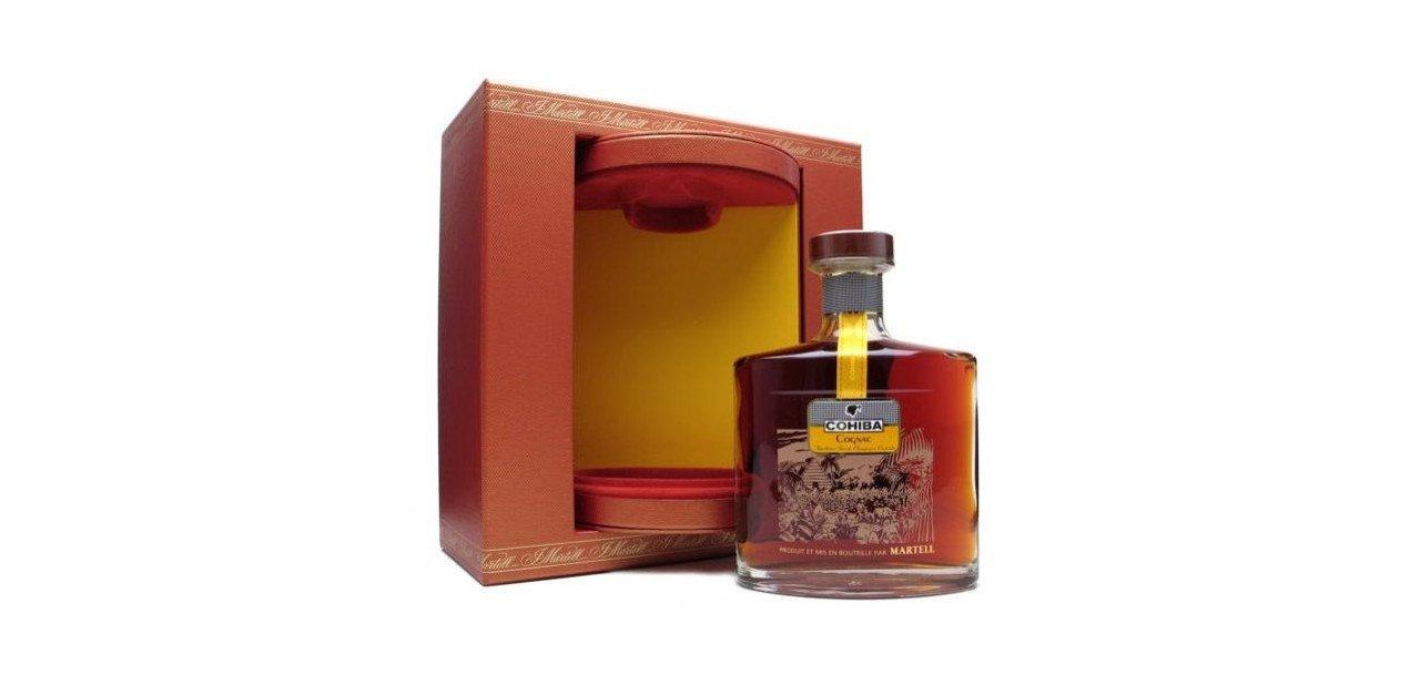 Botella de Martell Cohiba con su caja