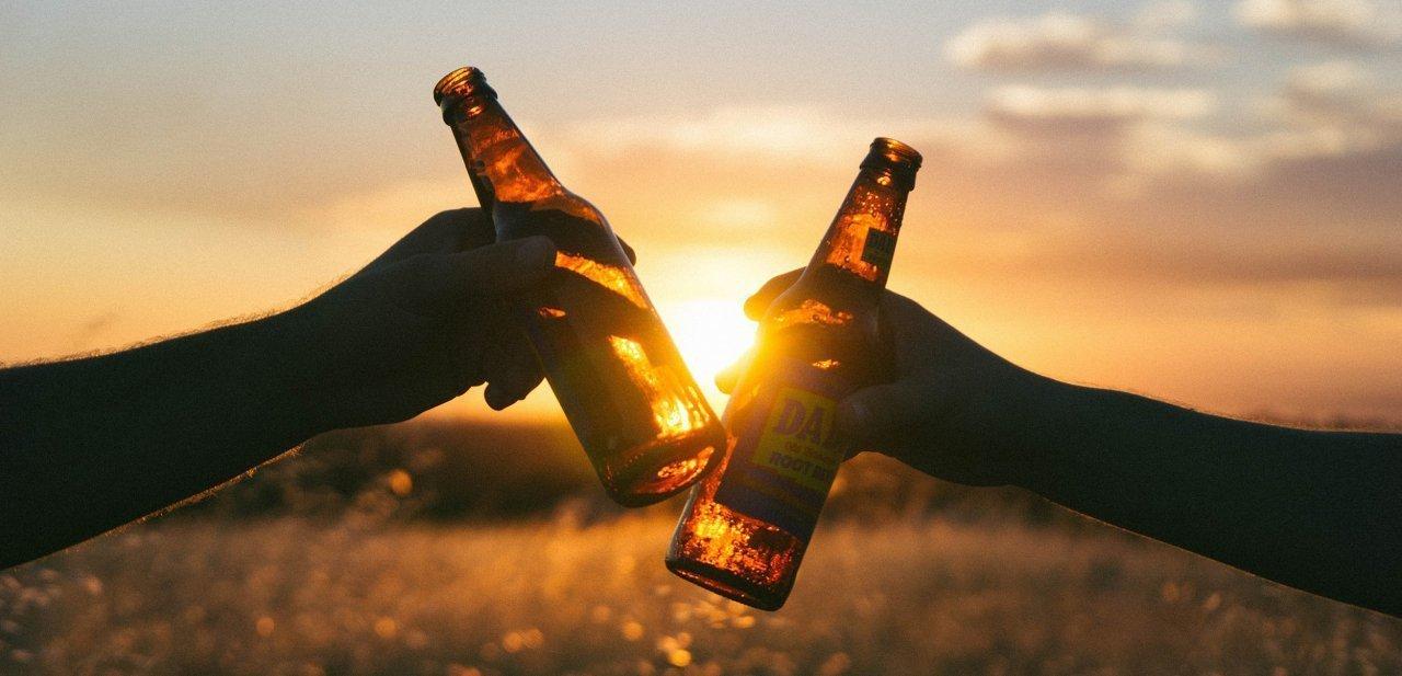 Brindis de cervezas