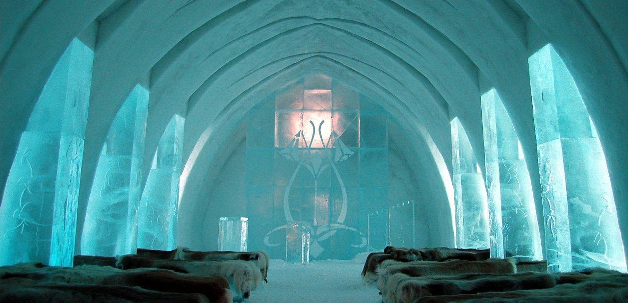 Capilla del hotel de hielo Jukkasjärvi