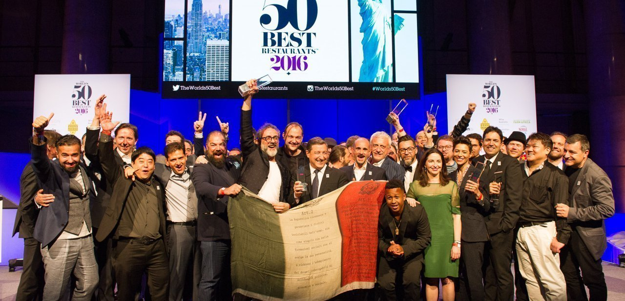 Celebración sobre el escenario de The World's 50 Best Restaurants 2016