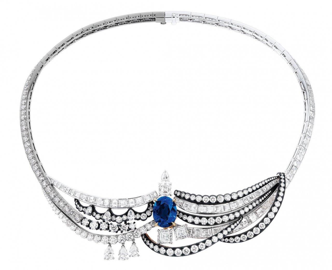 Collar azul Dior à Versailles