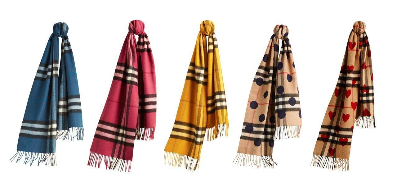Composición de bufandas clásicas en cachemir de 'checks' de Burberry