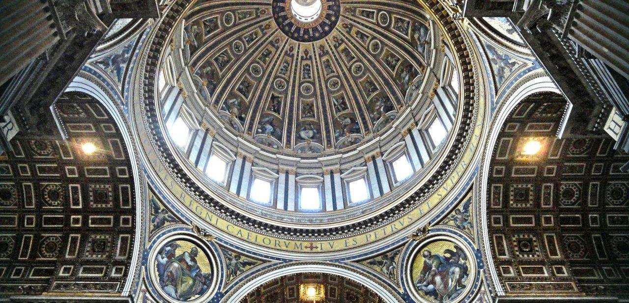 Cúpula de San Pedro del Vaticano, en los tours de los Museos Vaticanos