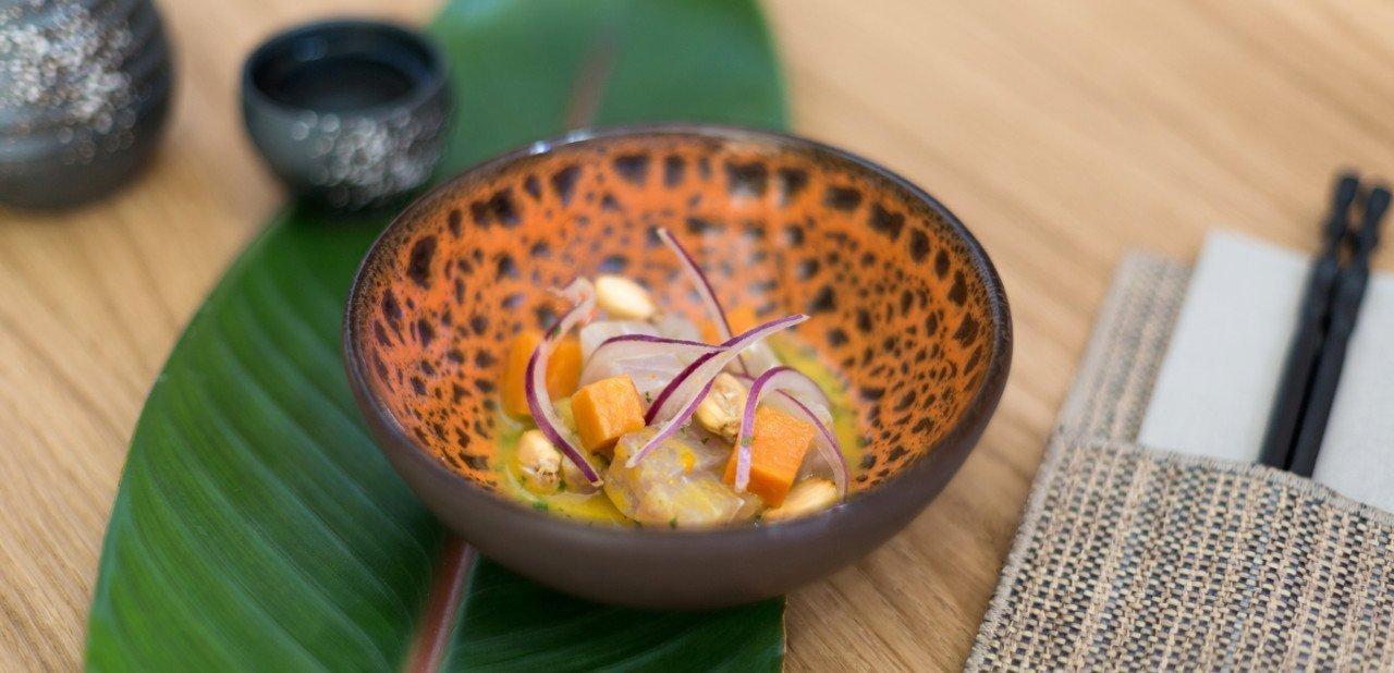 Detalle de comida japonesa y peruana en La Gaia