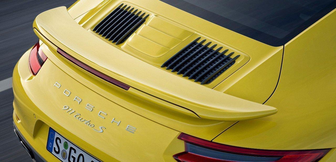 Detalle de la parte trasera del Porsche 911 Turbo S