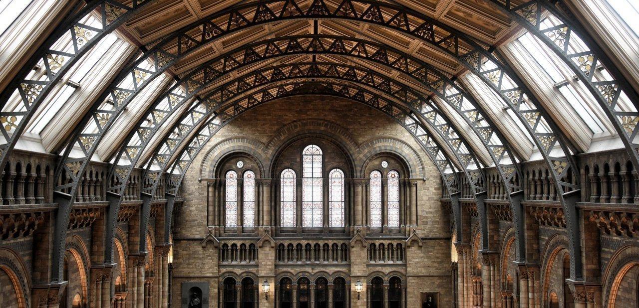 Detalle de una gran sala del Museo de Historia Natural del Londres