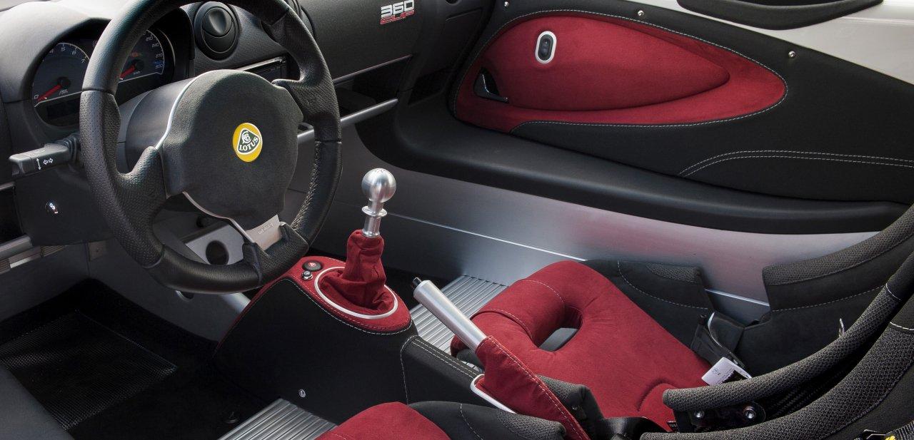 Detalle del interior del vehículo