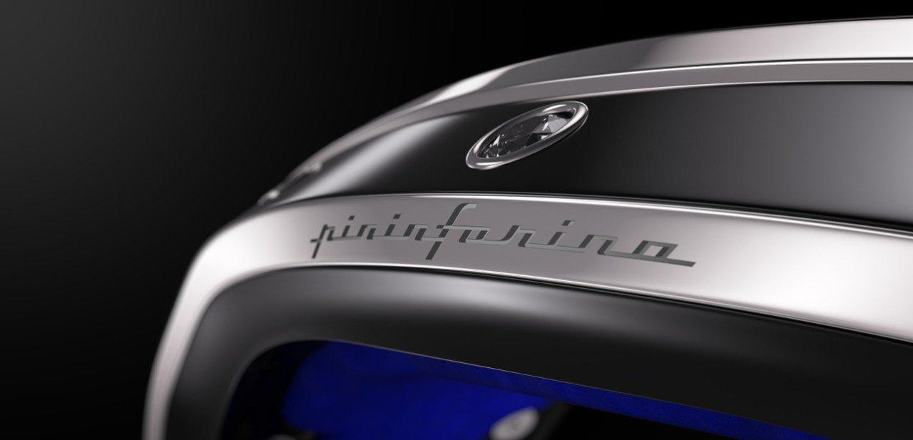 Detalle del logo de Pininfarina en el Armills
