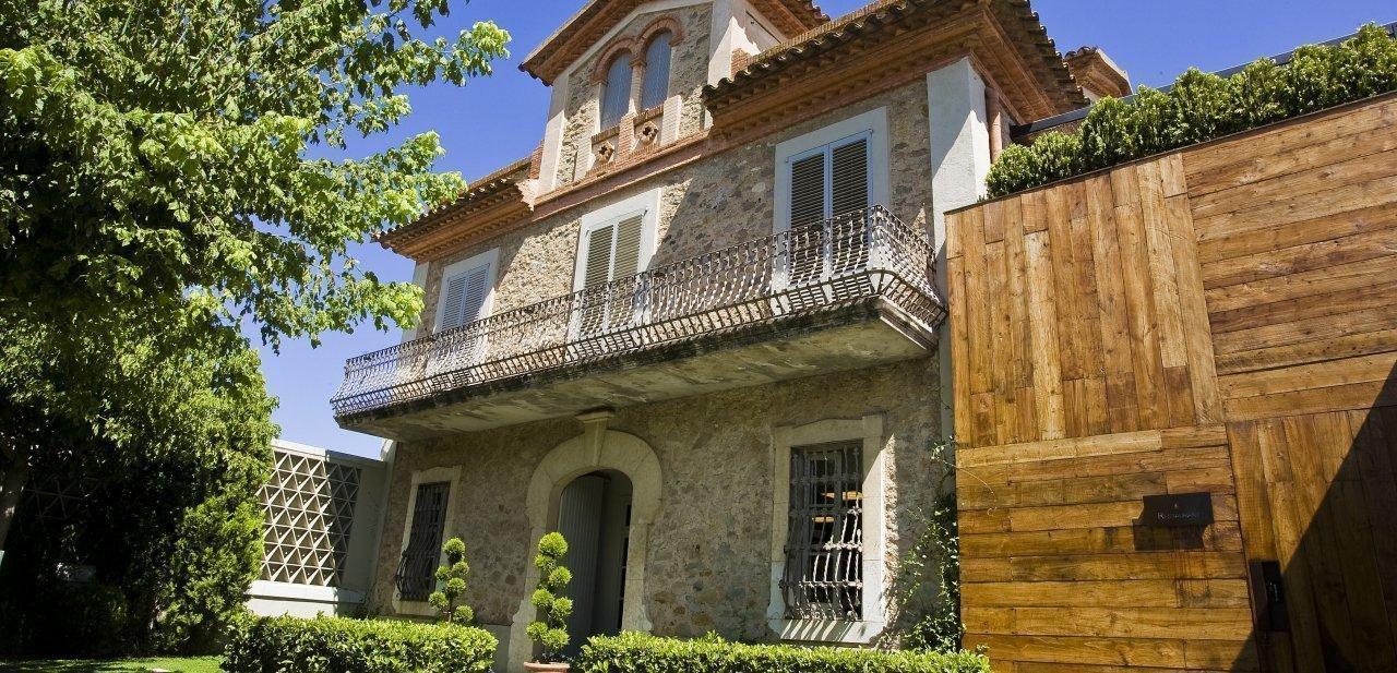 El edificio tradicional de El Celler de Can Roca