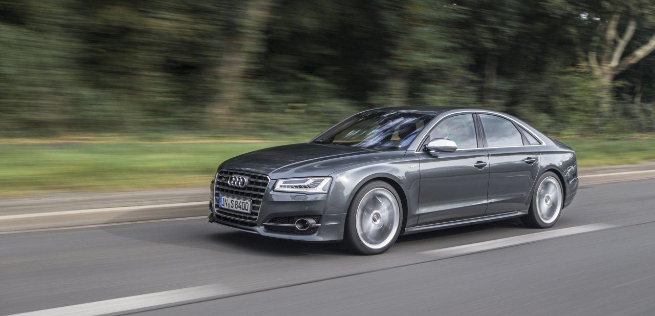 El nuevo Audi S8 en carretera