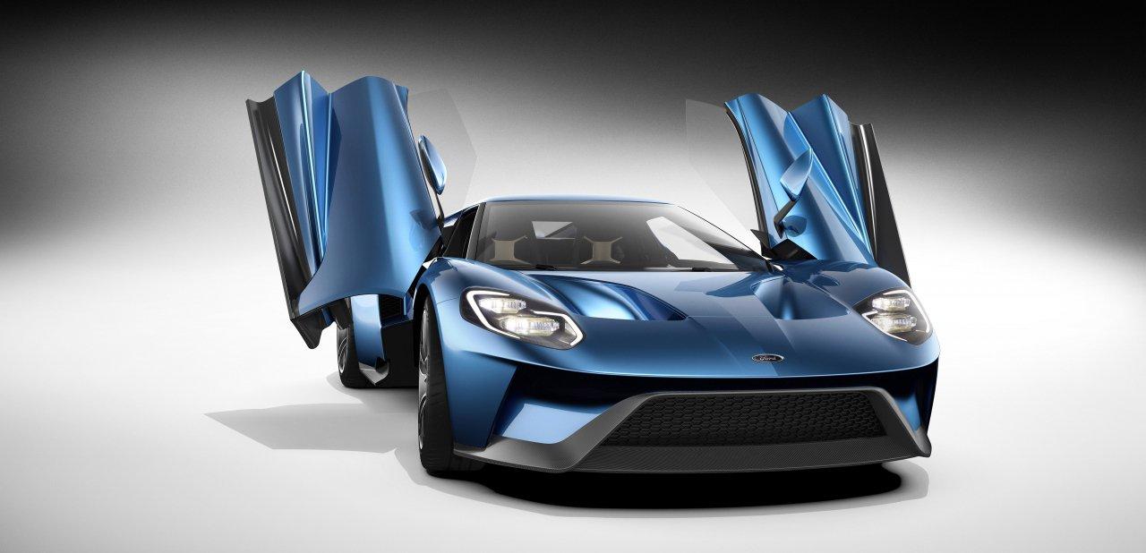 El nuevo Ford GT con las puertas abiertas