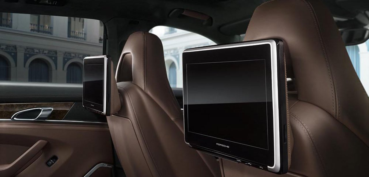 El sistema de entretenimiento Porsche Rear Seat Entertainment Plus