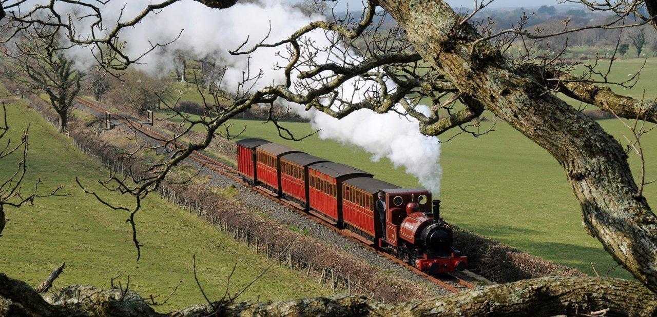 El tren The Talyllyn Railway desde las alturas