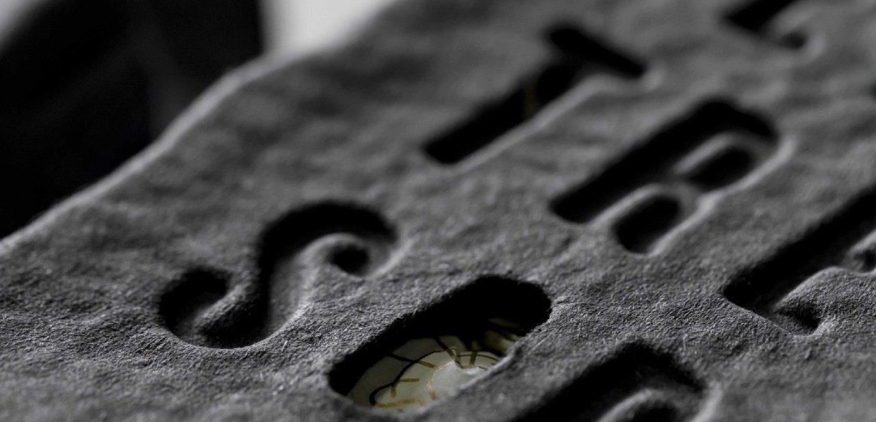 'El Tresor', piedra pizarra del envoltorio