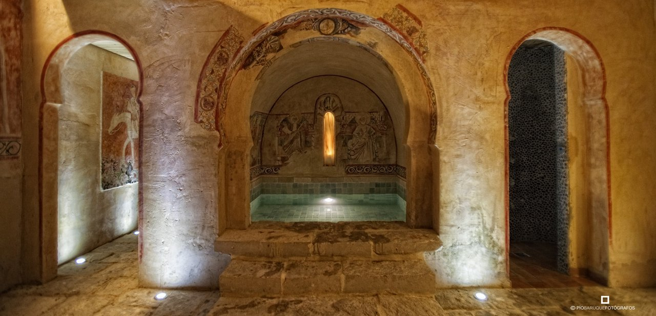 Entrada a las duchas bitérmicas y hamman de Castilla Termal Burgo de Osma