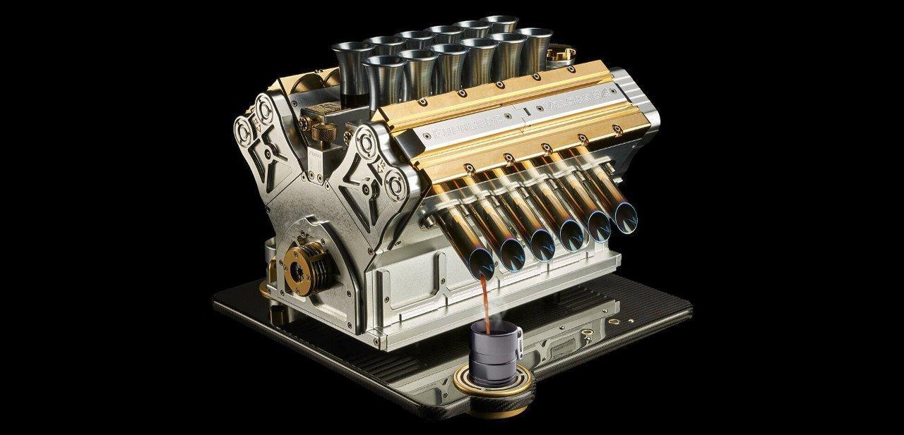 Espresso Veloce Aurum 18ct en pleno funcionamiento