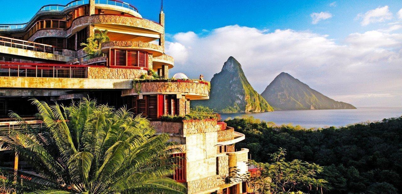 Fachada del Jade Mountain Resort