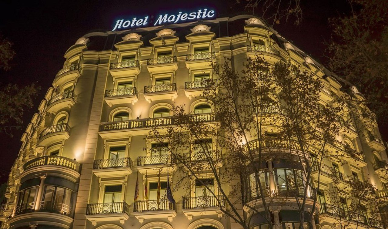 Fachada del lujoso hotel Majestic en Barcelona