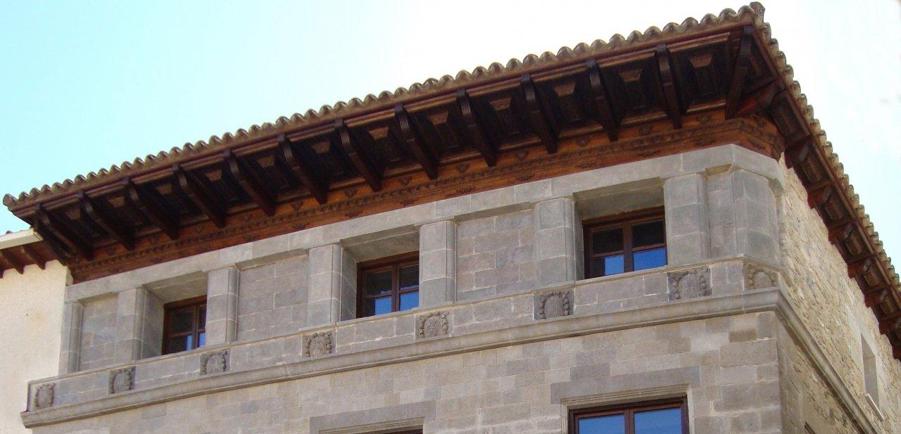 fachada superior del Hotel Palacio del Obispo