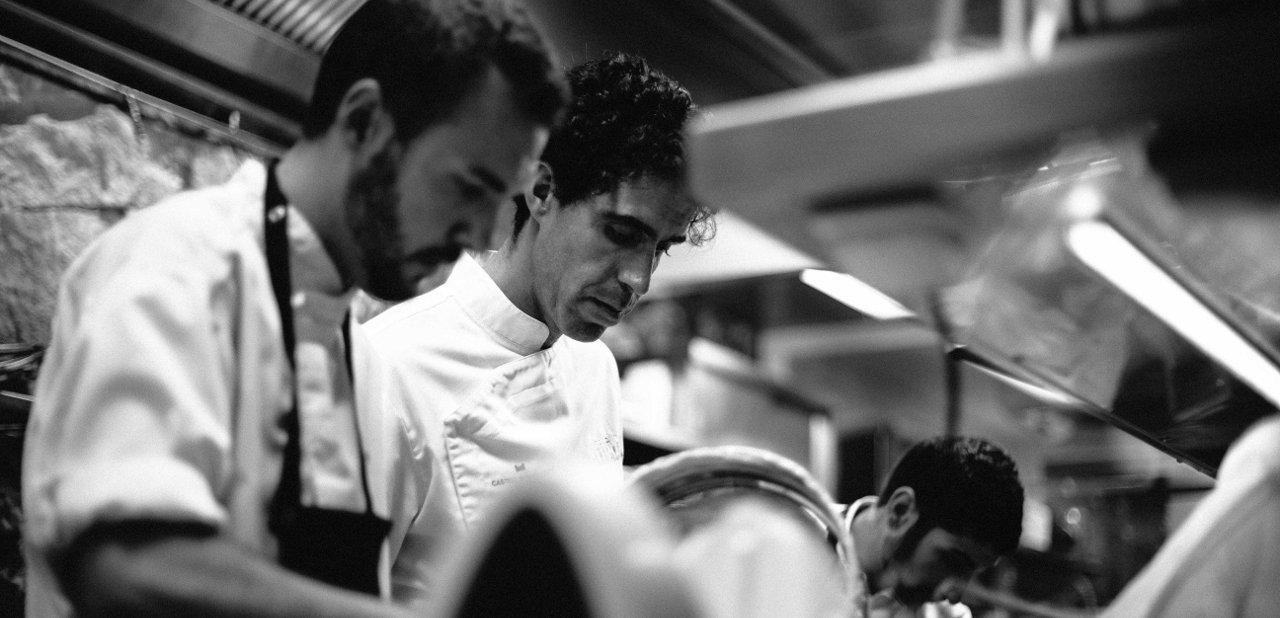 Fernando Pérez Arellano en la cocina del restaurante Zaranda