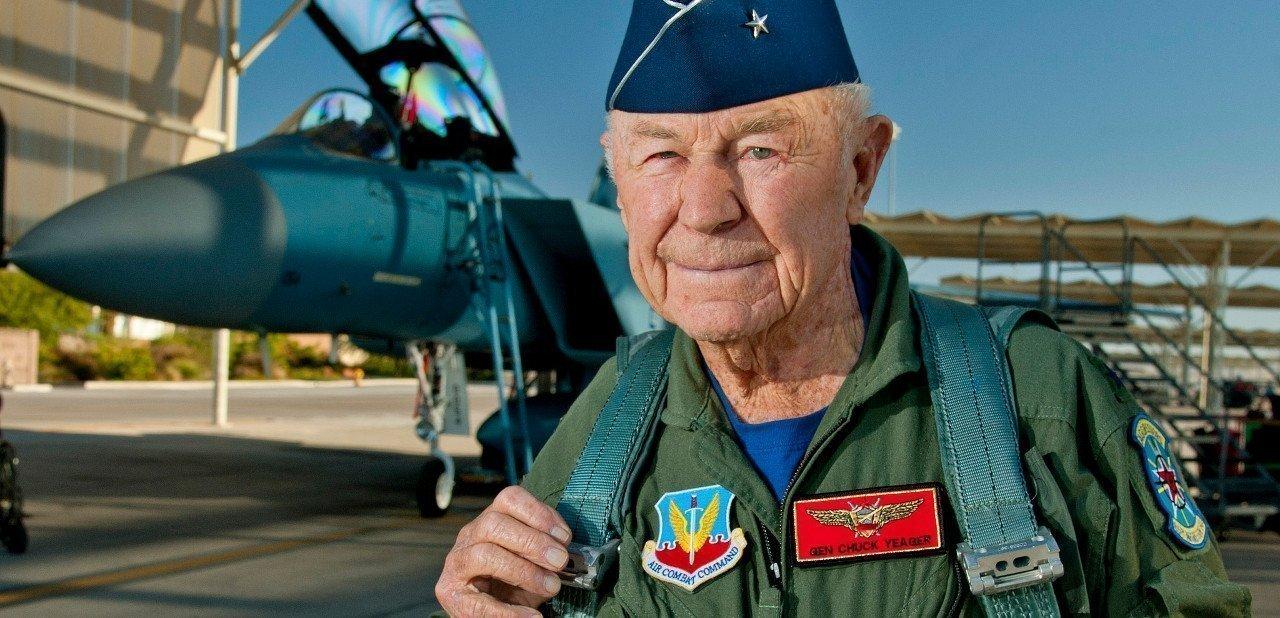Foto de Chuck Yeager a los 68 años