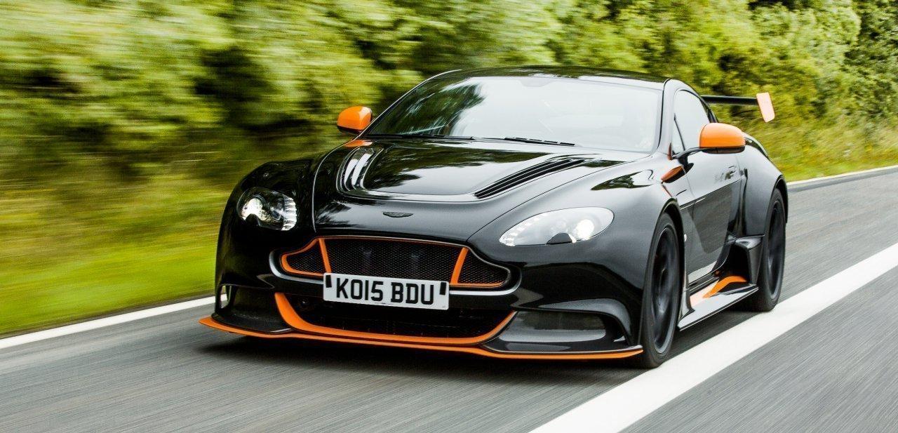 Frontal del Aston Martin Vantage GT12