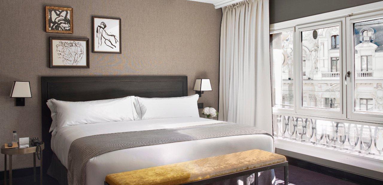 Los 6 mejores hoteles de lujo en madrid for Hotel habitacion cuadruple madrid