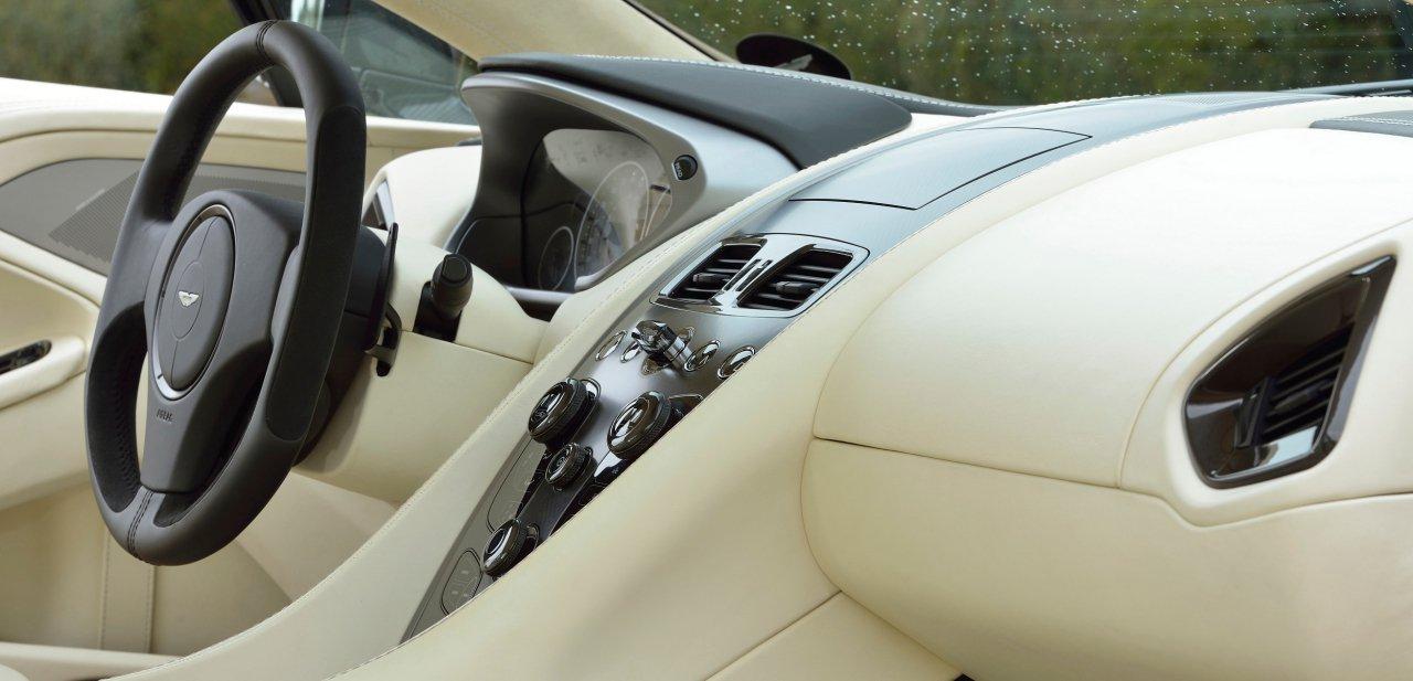 Habitáculo del Aston Martin Vanquish