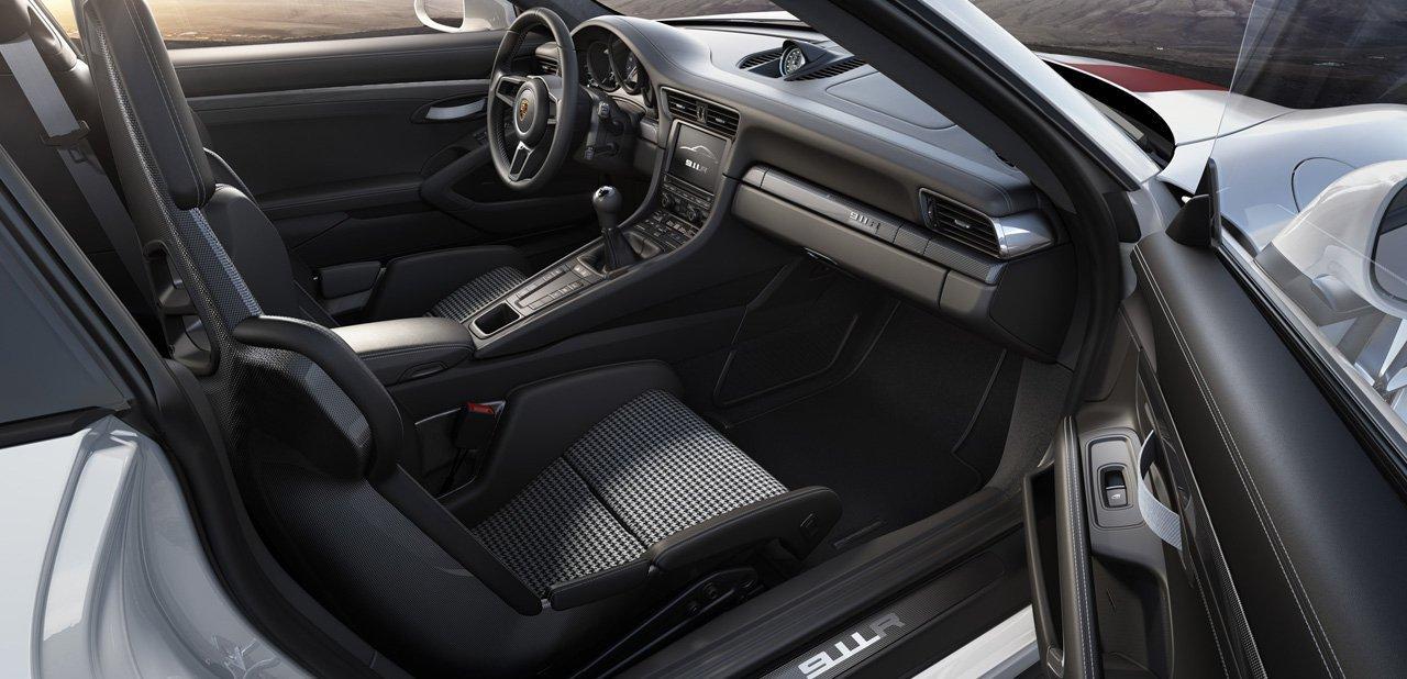 Habitáculo del Porsche 911 R