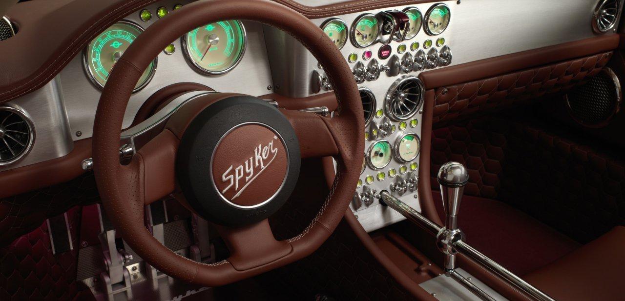 Habitáculo del Spyker C8 Preliator