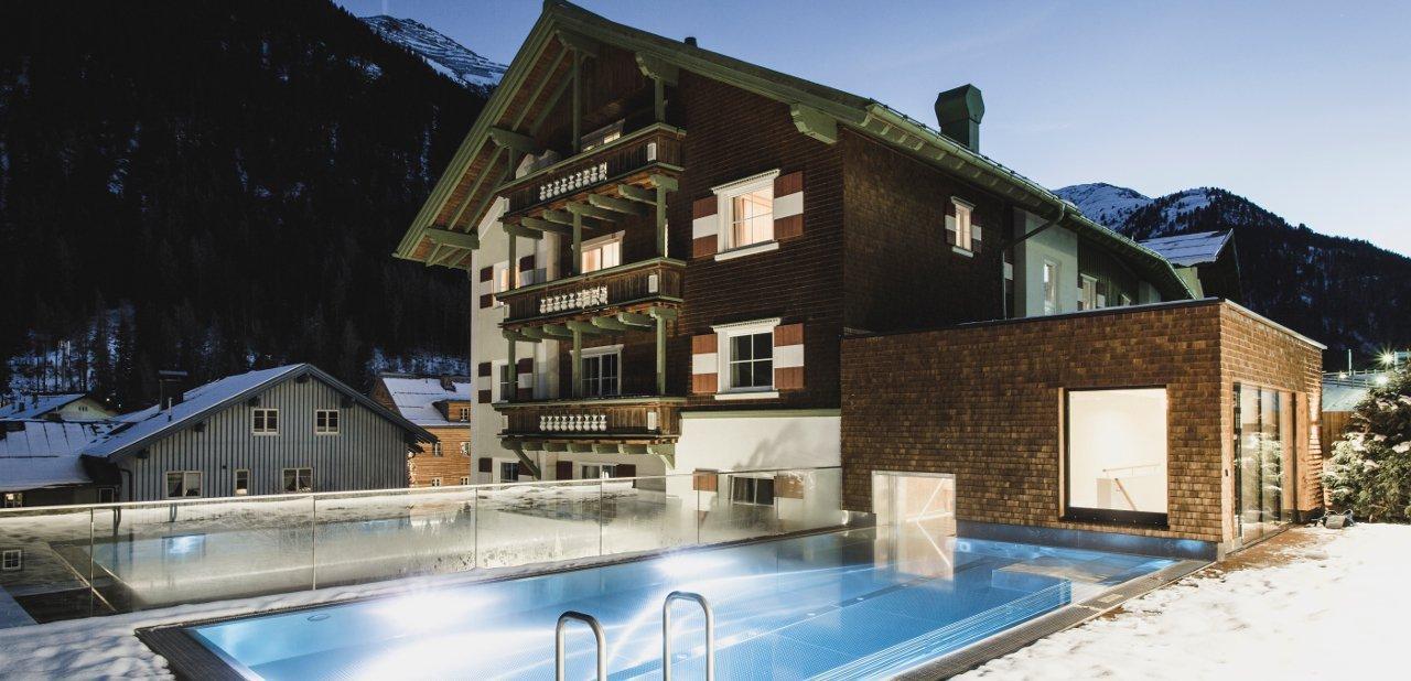 Hotel Schwarzer Adler (Arlberg, Austria)