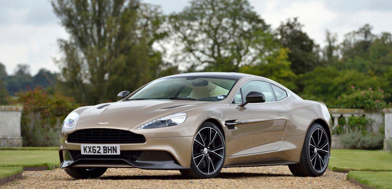Imagen frontal del Aston Martin Vanquish