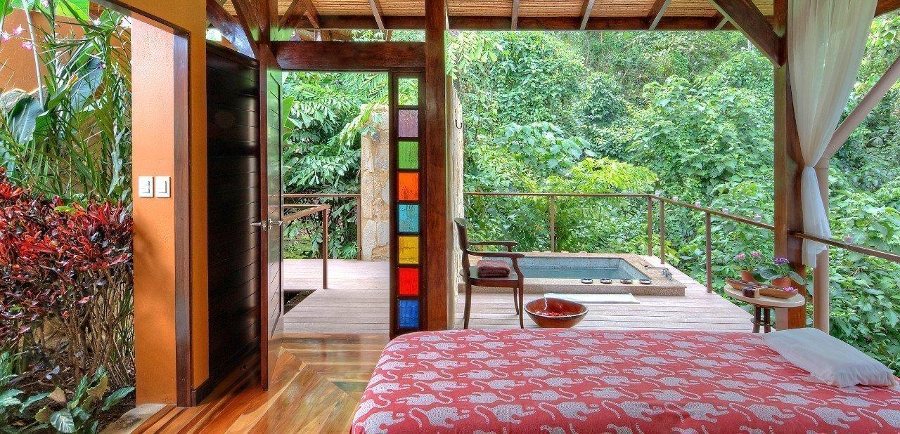Interior de habitación en Nayara Springs