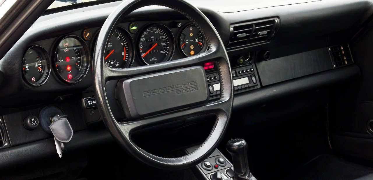Interior de un Porsche 959