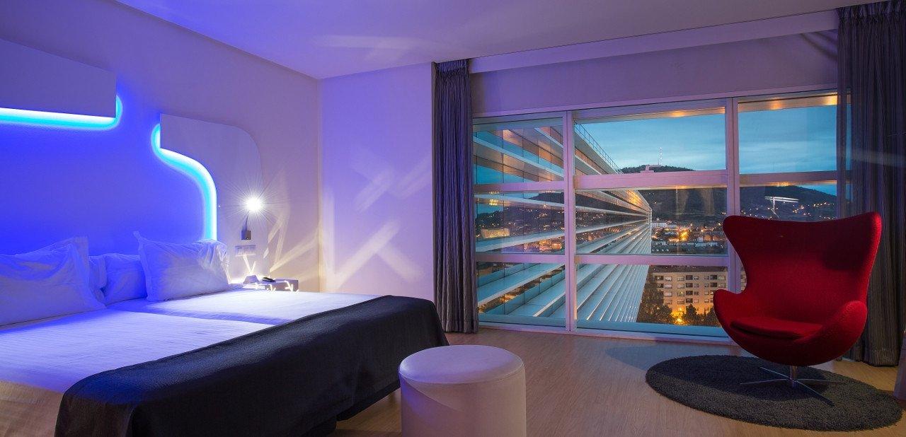 Interior de una habitación del Ayre Hotel Oviedo