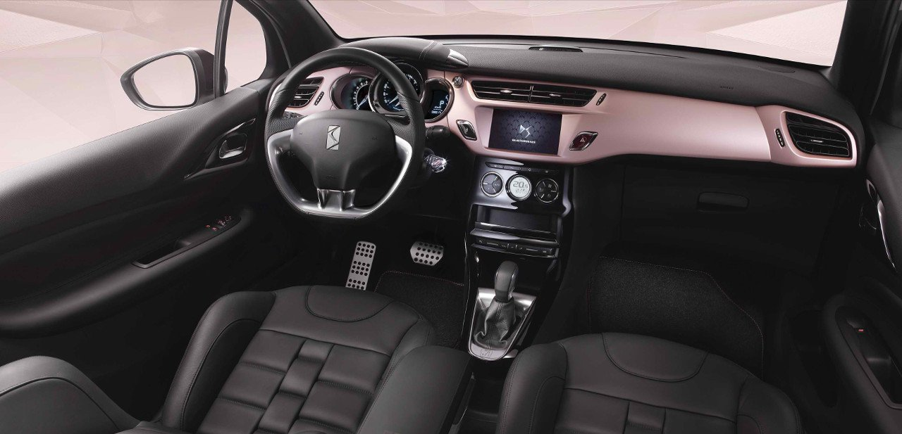 Interior del Citroën DS3 Givenchy Le Makeup