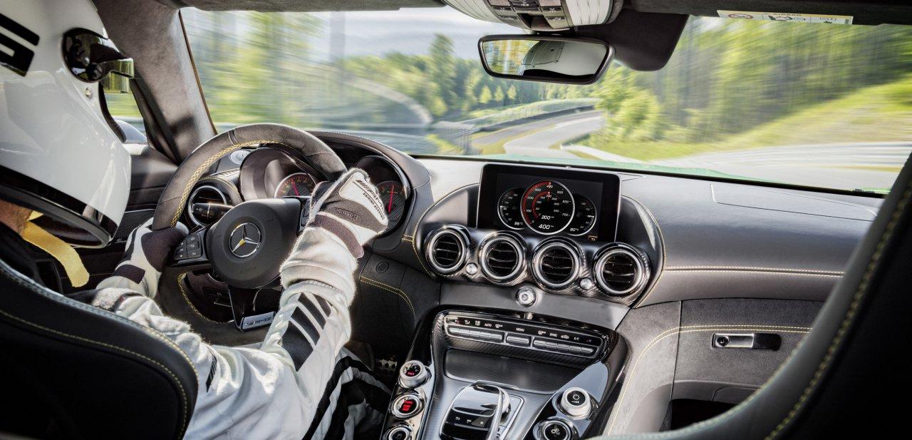 Interior del Mercedes-AMG GT R