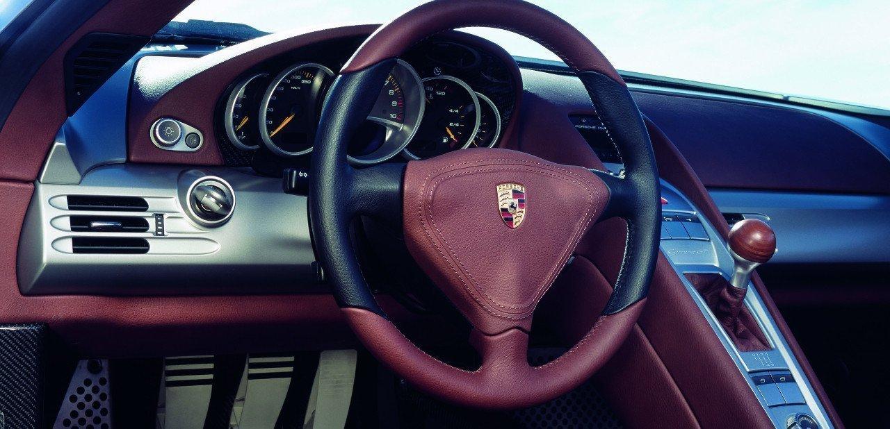 Interior del Porsche Carrera GT