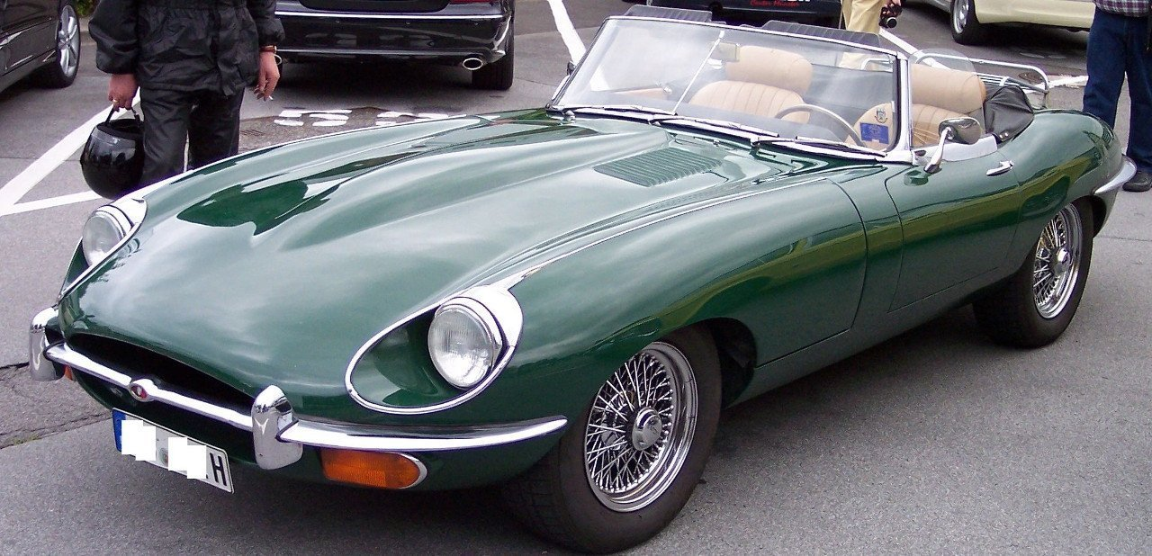Jaguar E-Typpe verde descapotable