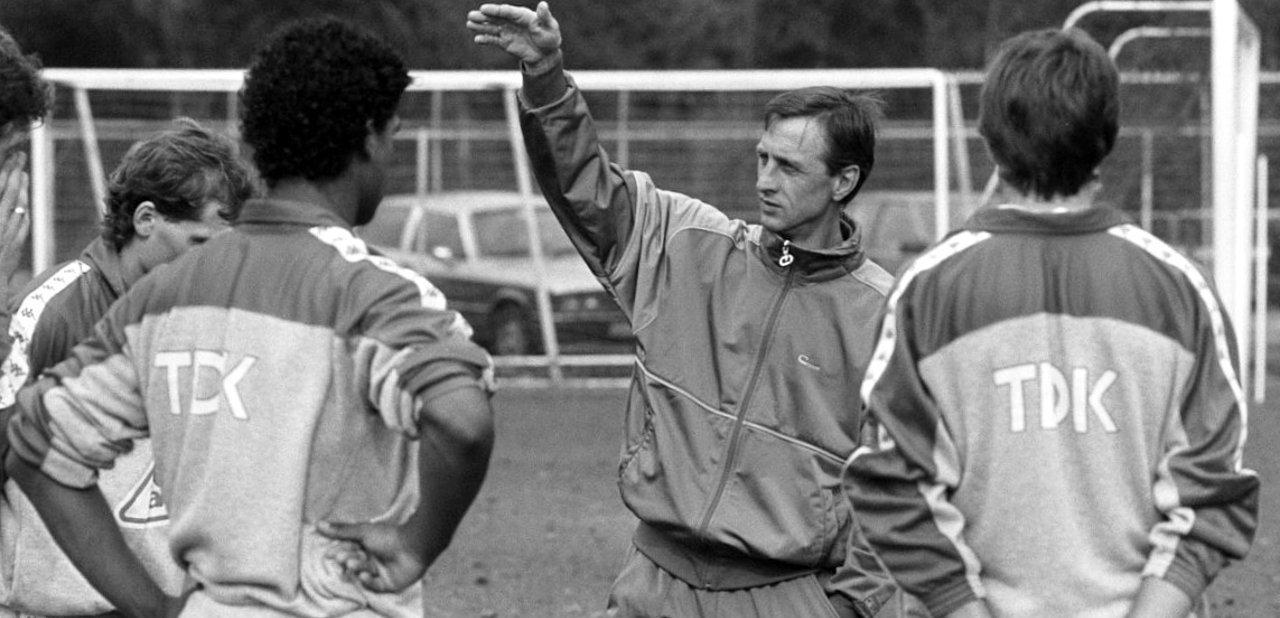 Johan Cruyff entrenando