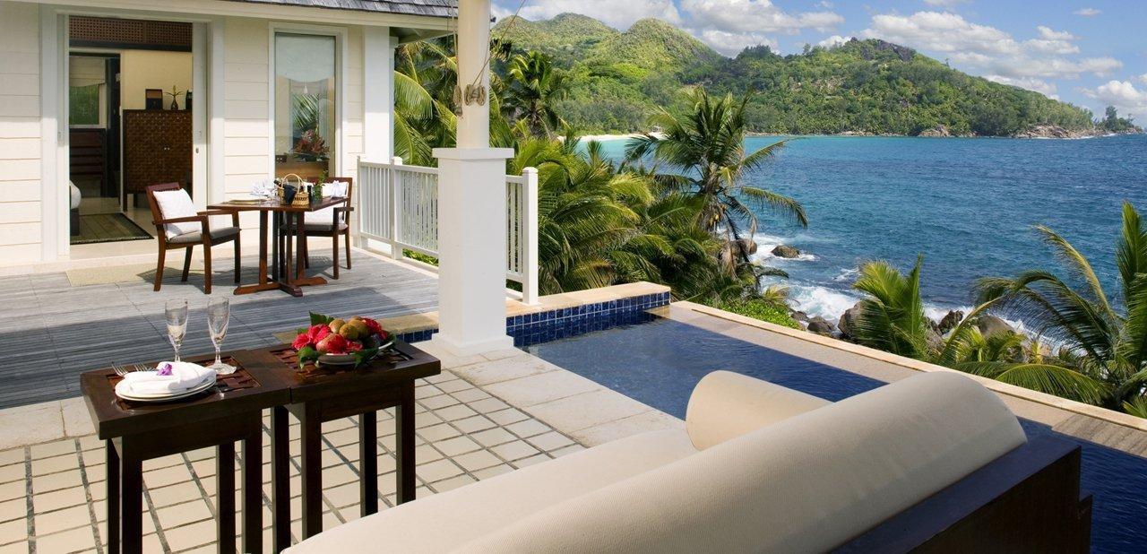 La piscina de una de las villas de Banyan Tree Seychelles