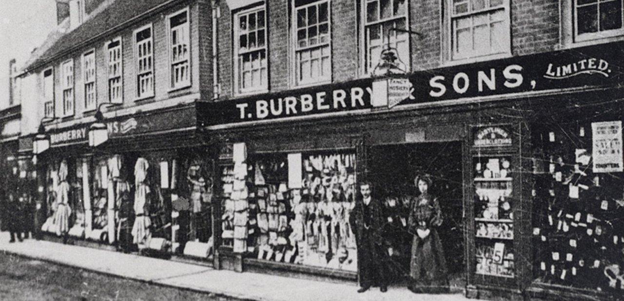 La primera tienda Burberry