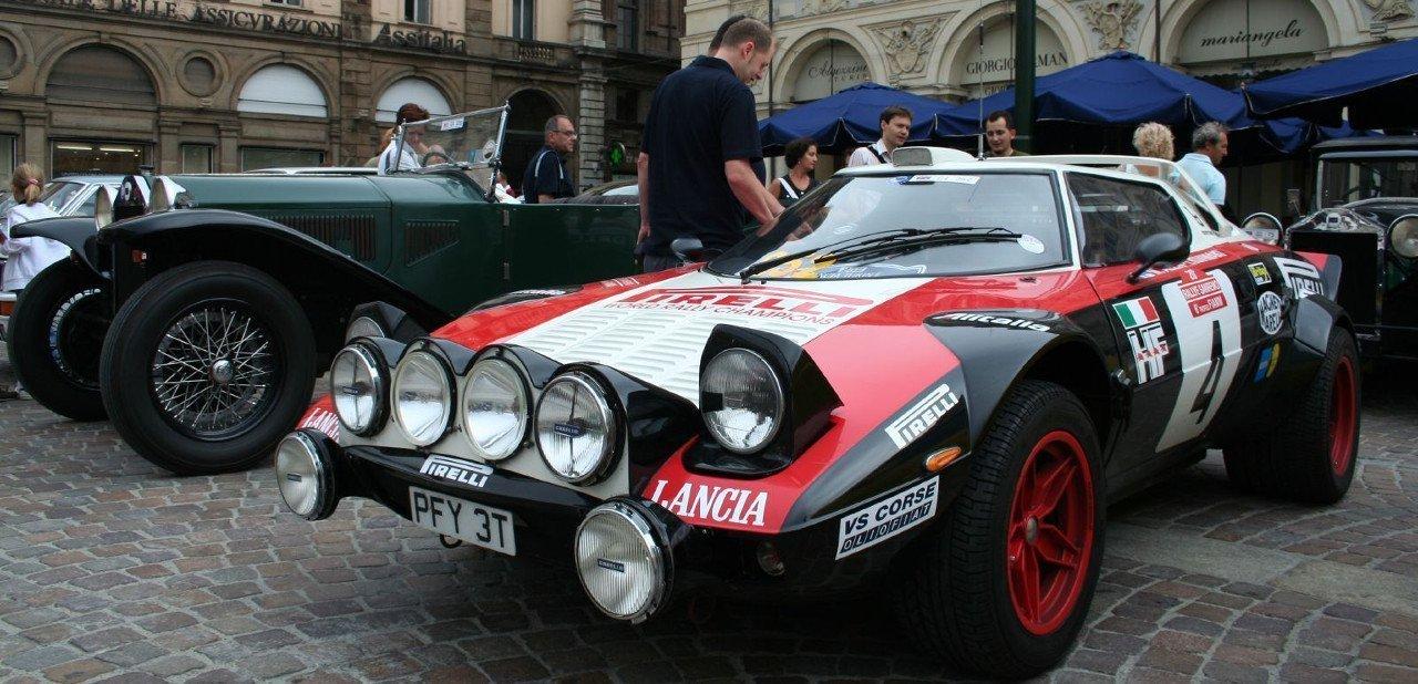 Lancia Stratos de competición en feria de coches antiguos