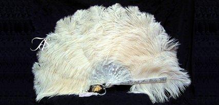 Abanicos Sevillanos, un lujo en tradición y elegancia