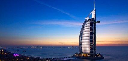 Burj Al Arab en Dubai, el hotel del hedonismo