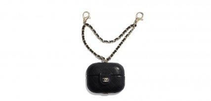 Fundas AirPods de Chanel, el lujo en forma de accesorio