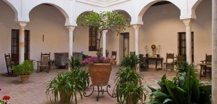 Hotel Las Casas de la Judería, un viaje retrospectivo a la Sevilla antigua