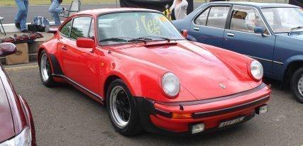 Porsche 911 Turbo (930) '74, tan veloz como exigente