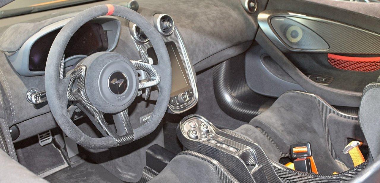 McLaren 620R interior