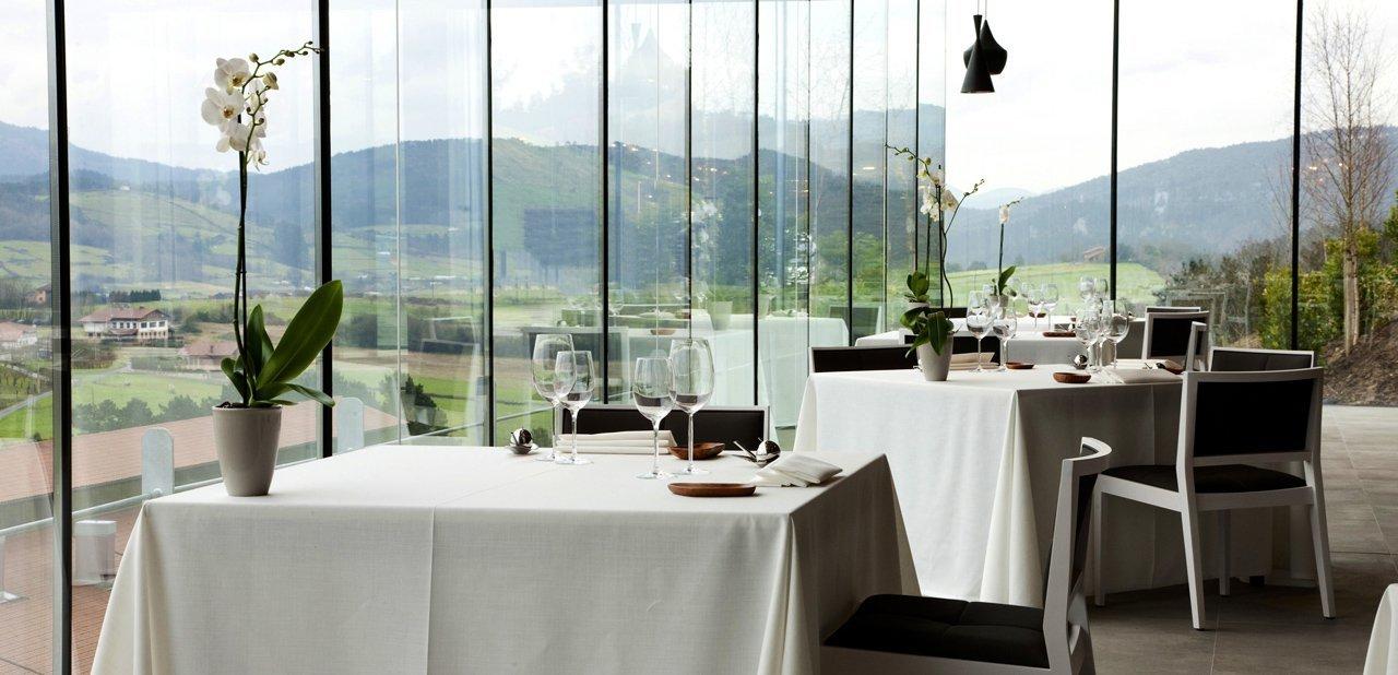 Mesas en el restaurante Azurmendi